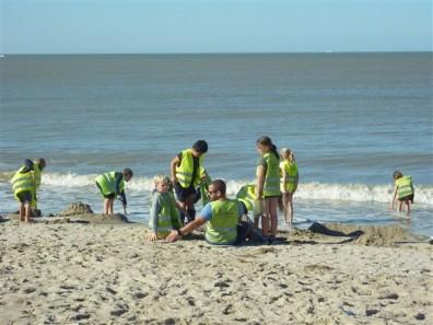 Spelen op het strand - Zeeklassen De Schans - Dag 4 - 2018 - (107)